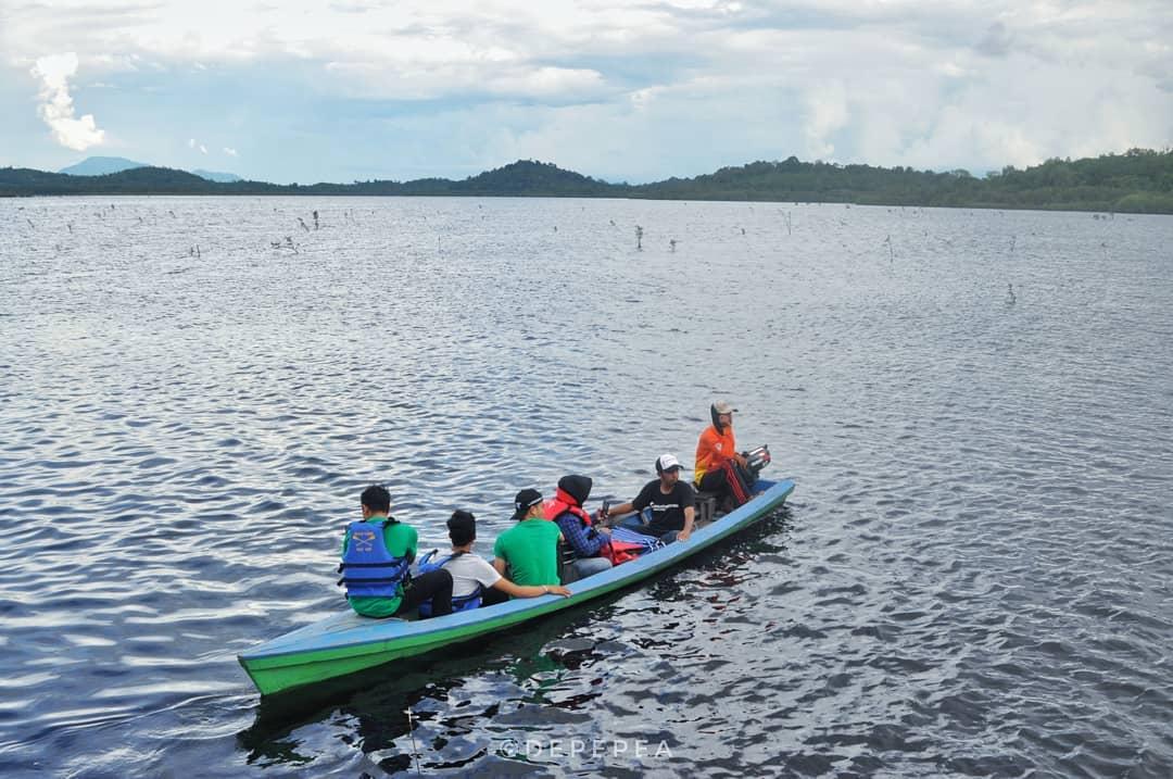 Tempat yang Menawan Hati, Danau Lait Kalimantan Barat